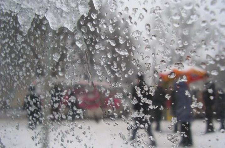 На Тернопільщині передбачають дощі з мокрим снігом