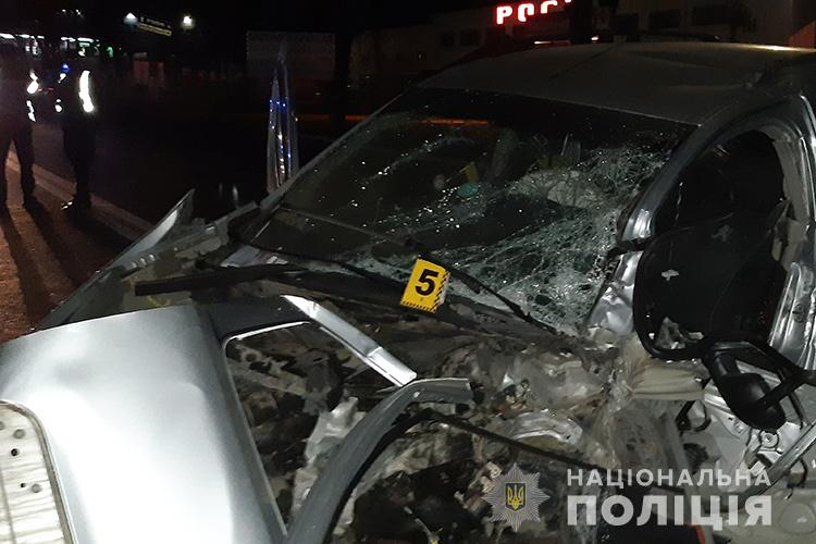 Жахлива аварія у Тернополі: водій загинув (ФОТО)