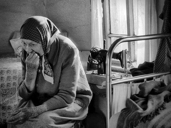 Ні родичів, ні здоров'я: показали, в яких умовах живуть одинокі пенсіонери на Тернопільщині (ВІДЕО)