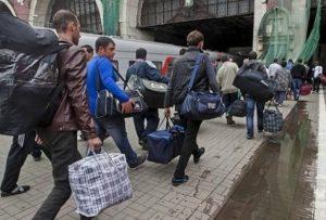 У Зеленського придумали, як зупинити відтік молодих українців на заробітки