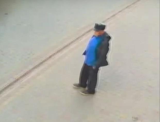 У Тернополі розшукують чоловіка, який обікрав жінку (ВІДЕО)