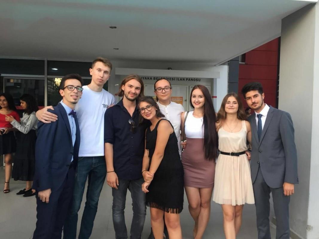 Тернопільські студенти, мандруючи світом, руйнували стереотипи про Україну (ФОТО)