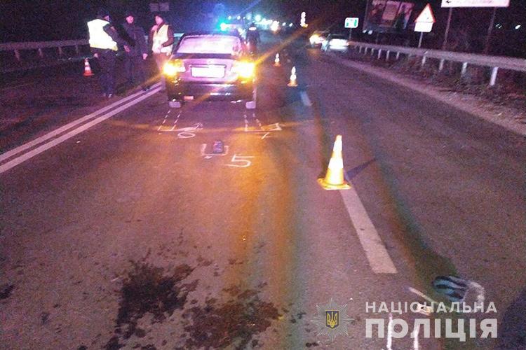 Смертельна аварія у Тернополі: автомобіль збив чоловіка (ФОТО)