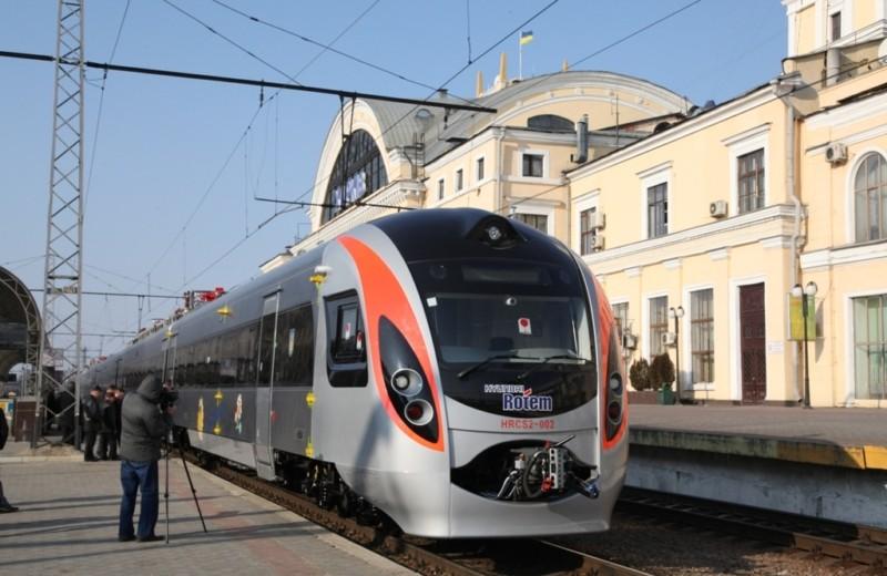 Відбудуться зміни в графіку руху приміських поїздів через Тернопільщину