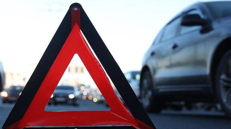 Біля Тернополя не розминулися дві автівки: є потерпілі (ФОТО)