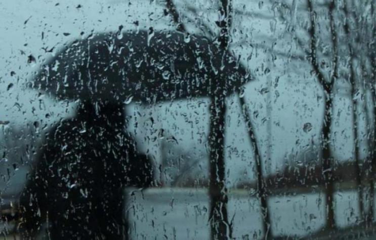 На Тернопільщину сунуть великі дощові хмари