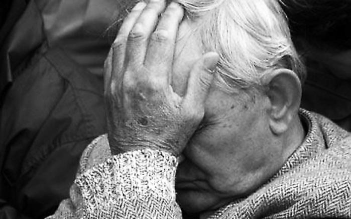 У Тернополі злодії викрали у дідуся 4000 доларів та 10000 гривень