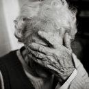 На Тернопільщині будуть перевиховувати сина, який знущався із старенької мами