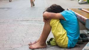 Справу матері, яка спонукала дитину до жебрацтва перед Почаївською Лаврою,  передали в суд