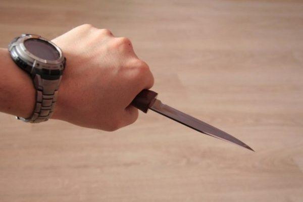 Тернополянин погрожував ножем поліцейським