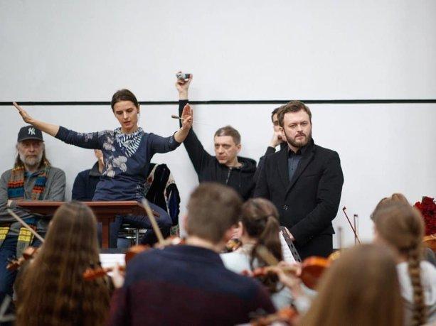 Дзідзьо з відомою диригенткою записали нову версію гімну України (ВІДЕО)