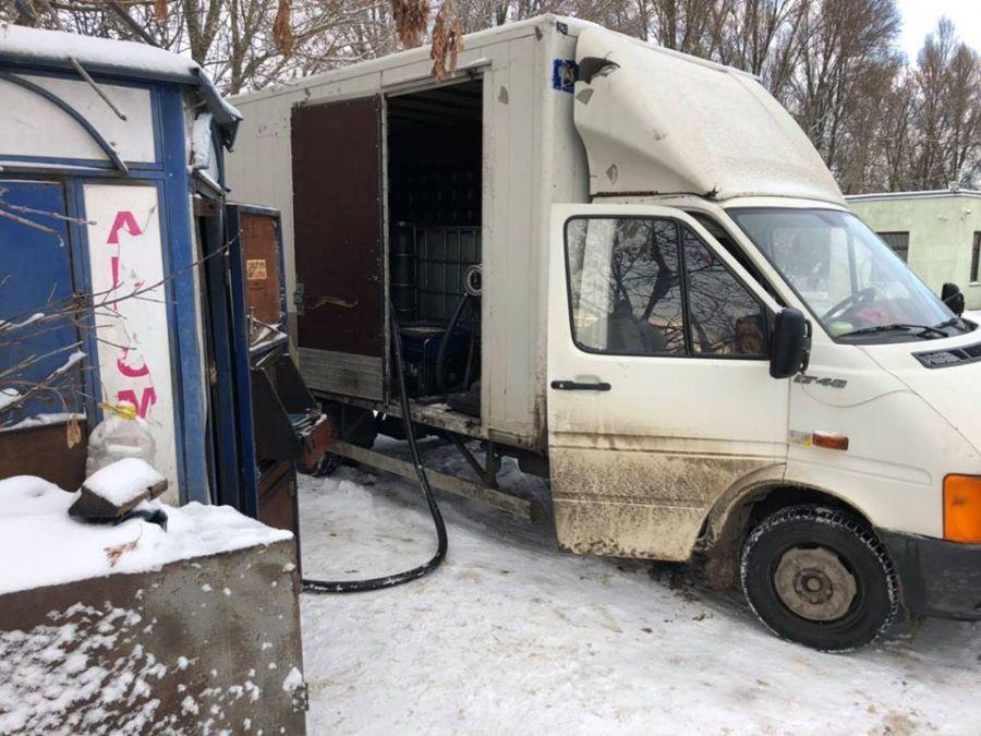 На Тернопільщині виявили понад 30 ймовірно нелегальних АЗС