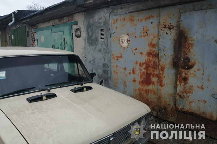 Викрав авто і планував його розібрати: у Тернополі зі стоянки поцупили машину (ФОТО)