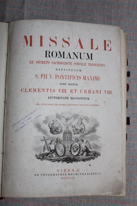 До костелу на Тернопільщині повернули богословську книгу 1862 року (ФОТО)