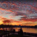 Розслабляє і зачаровує: захід сонця в Тернополі був просто магічним (ВІДЕО)