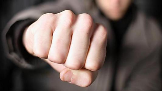 Нещастя на Тернопільщині: під час сварки рідний батько смертельно травмував сина