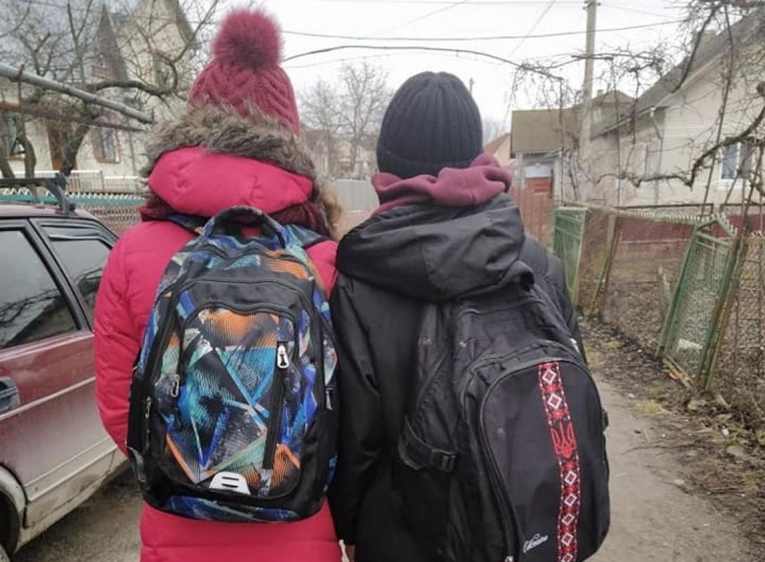 Обматюкав і вигнав з автобуса: у Тернополі водій не захотів везти дітей по посвідченню багатодітної сім'ї