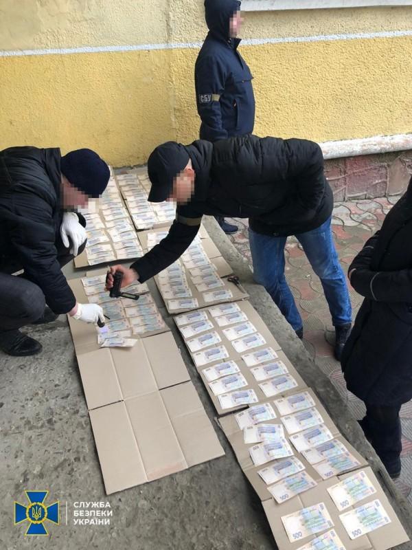 На Тернопільщині затримали посадовця споживчого товариства за підозрою у вимаганні хабара (ФОТО)