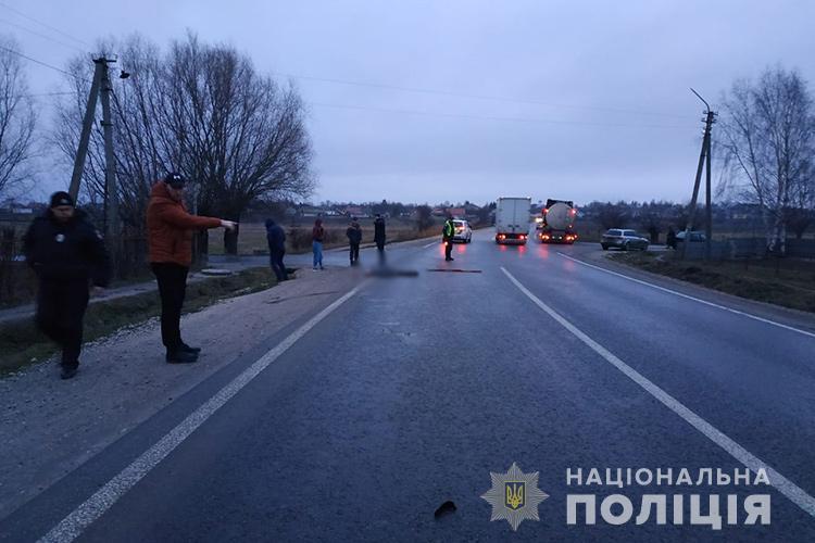Смертельна аварія на Тернопільщині: водій втік з місця ДТП (ФОТО)