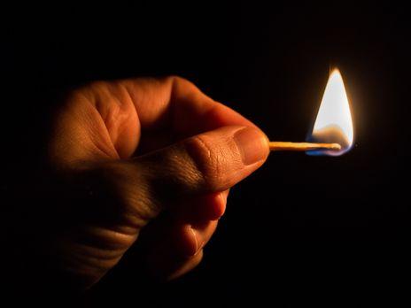 Тернополянин облив бензином та підпалив торгову ятку
