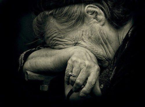Навіть не бачила пішохода: на Тернопільщині водійка збила 74-річну бабусю