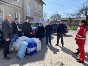 Лікарі в районах на Тернопільщині отримали комплекти індивідуального захисту від команди народного депутата Івана Чайківського та місцевих волонтерів