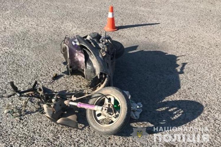 На Тернопільщині зіткнулися легківка та скутер (ФОТО)