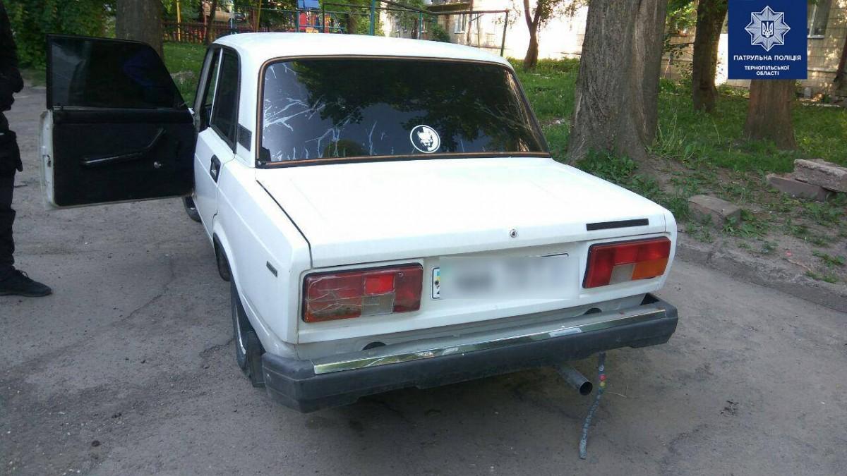У Тернополі на автівці катався 15-річний хлопець і грубо порушував правила
