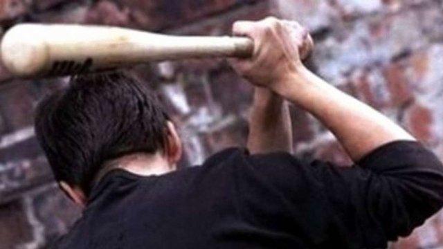 Вибігли з бітами, побили і втекли: на Тернопільщині жорстоко розправилися з підлітками (ФОТО)