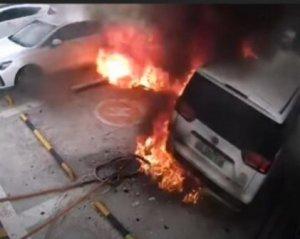 Як вибухає акумулятор електромобіля. У мережі показали вражаюче відео (ВІДЕО)