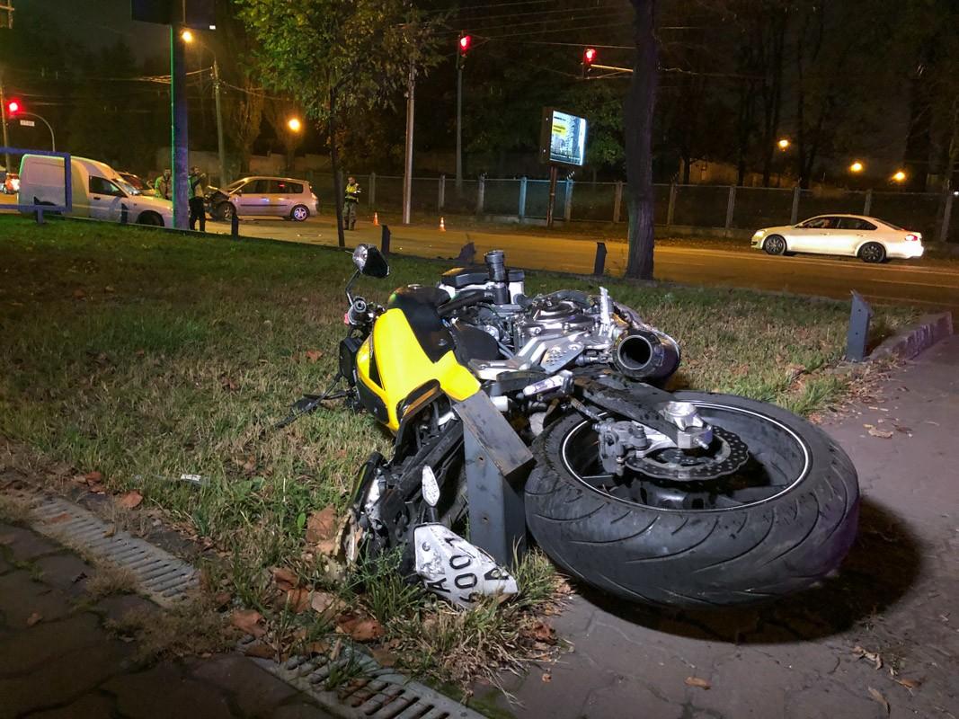 У Ступках зіткнулися автомобіль Renault та мотоцикл Honda