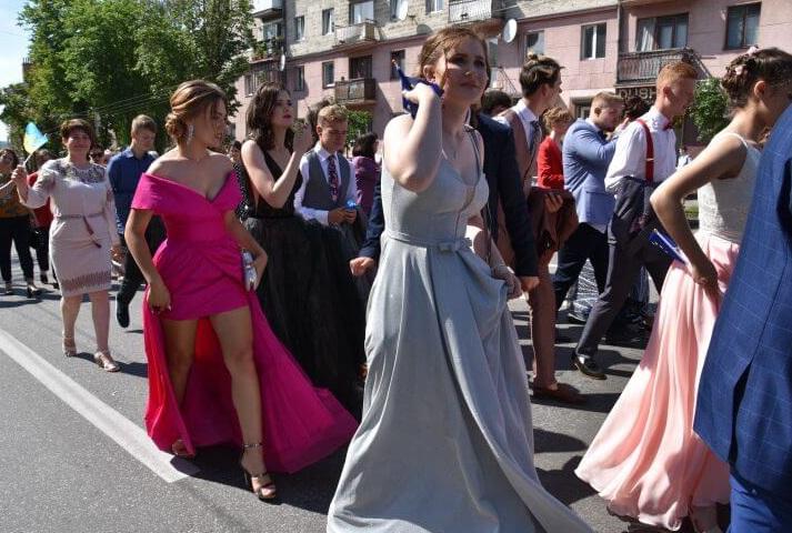 У Тернополі просять не скасовувати парад випускників