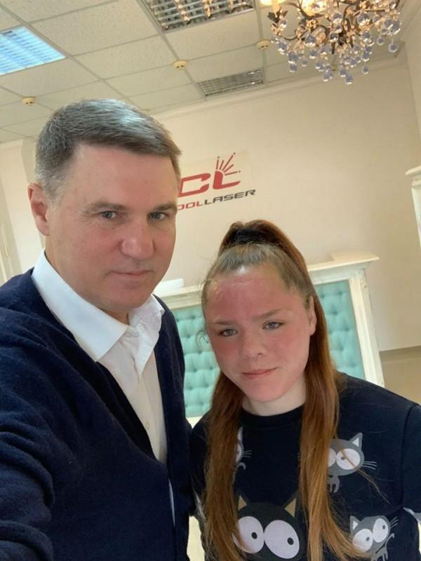 У Тернополі рідна мама покалічила доньку: провідні хірурги взялись допомогти школярці (ФОТО)