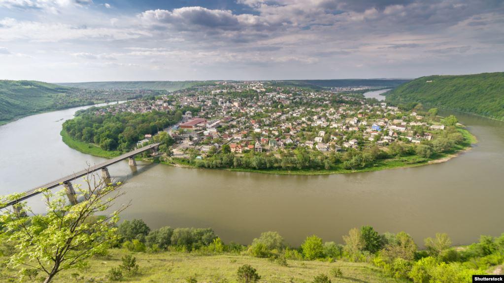 Зберігайте спокій: на Тернопільщині очікується високий підйом рівнів води. Що робити людям?