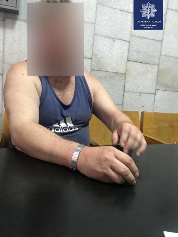 """У Тернополі їздив п'яний водій на """"Нісані"""" і грубо порушував правила (ФОТО)"""