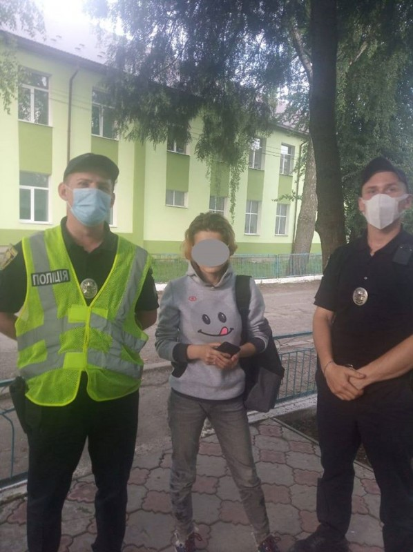 Поїхала до подруги: поліцейські розшукали неповнолітню тернополянку (ФОТО)