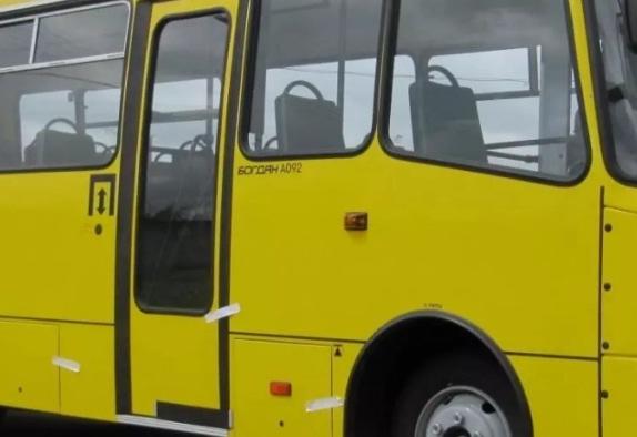 Нещасний випадок у Тернополі: маршрутка переїхала жінку, яка випала під час руху