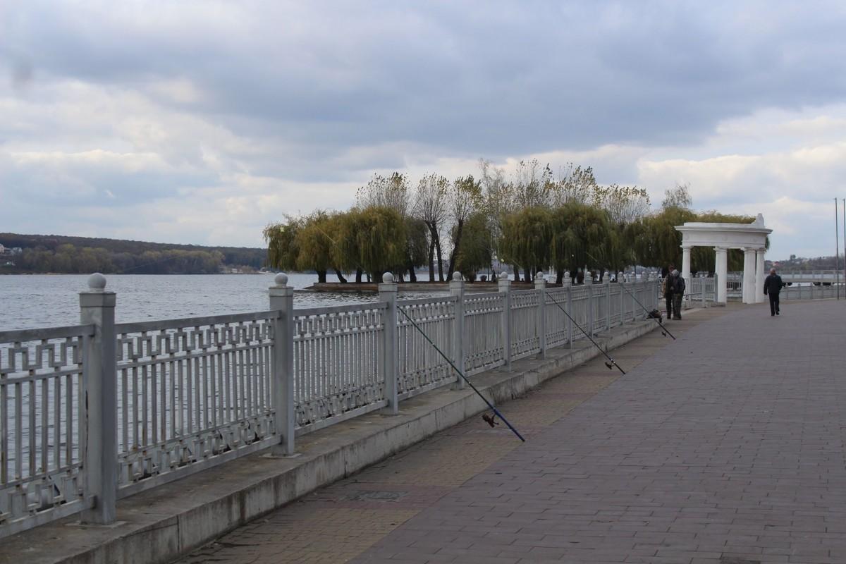 У Тернополі судили чоловіка за прогулянку по набережній ставу під час карантину