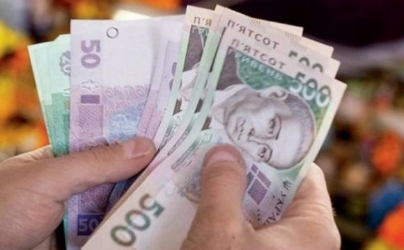 Представився товаришем: у Тернополі з магазину морепродуктів шахрай забрав 7500 грн виторгу