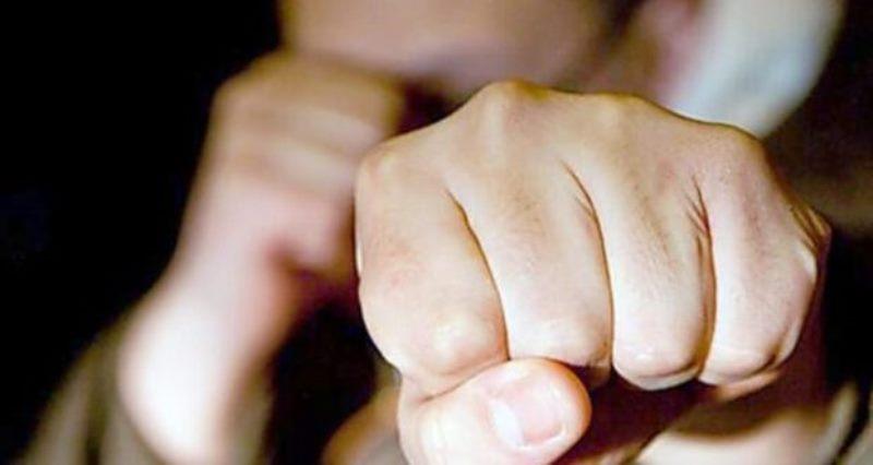 Двічі вдарив в обличчя і відібрав гроші: у Петриках молодий тернополянин пограбував пенсіонера