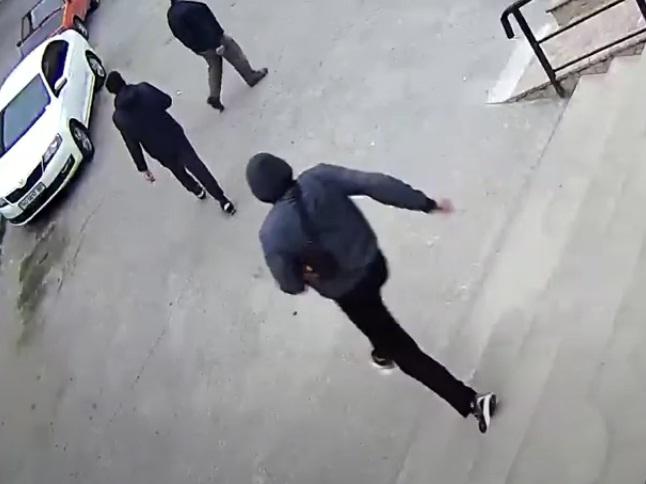 """Спіймали молодого тернополянина, який на """"Дружбі"""" обікрав магазин (ВІДЕО)"""