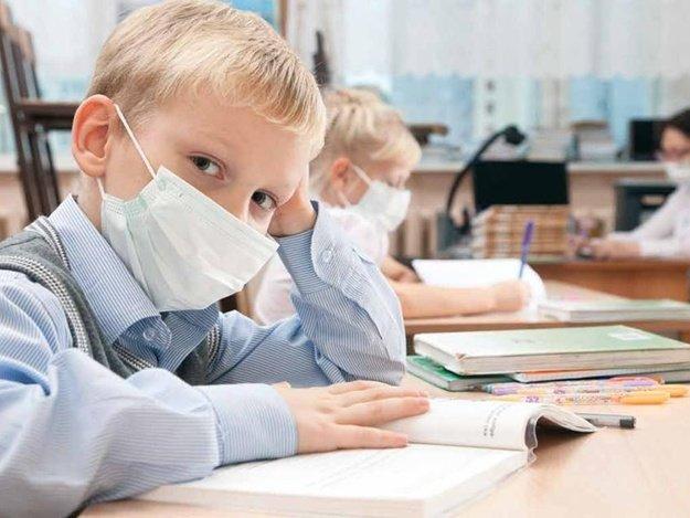 Через коронавірус із 1 вересня школярі можуть почати вчитися у дві зміни,- МОЗ