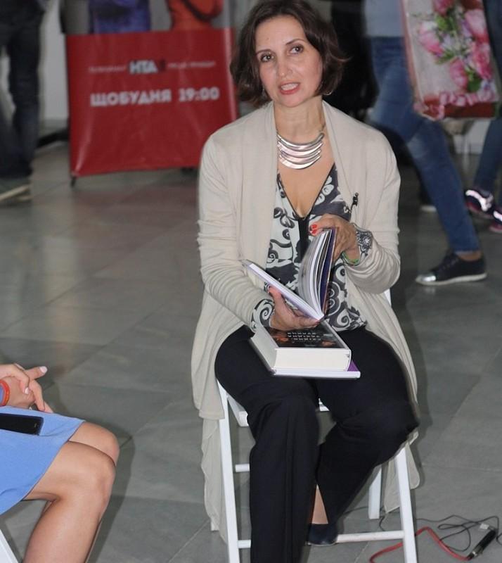 """""""Ковід не вигадка"""": письменниця з Тернопільщини розповіла, як поборола коронавірус"""