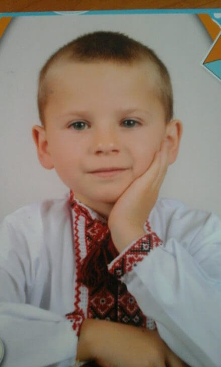 «Мама б збожеволіла, якби нас обох збили»: сестра хлопчика, якого на Тернопільщині збив п'яний водій, дивом врятувалася