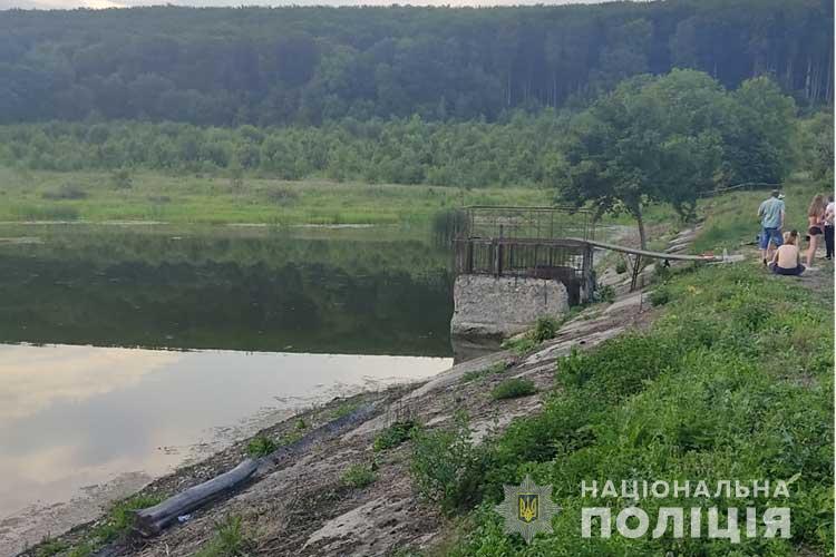 Трагедія на воді на Тернопільщині: одного хлопця витягнули уже мертвим, інший помер у лікарні