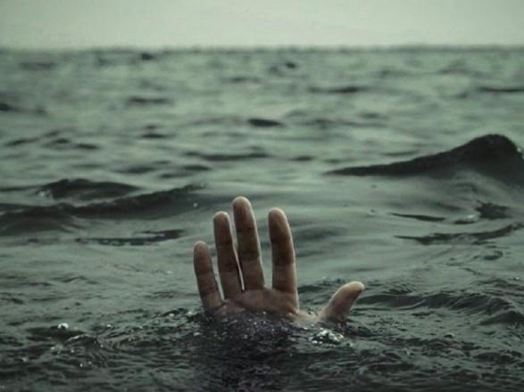 Тіло чоловіка, який на Тернопільщині випав із човна, знайшли аж на Хмельниччині