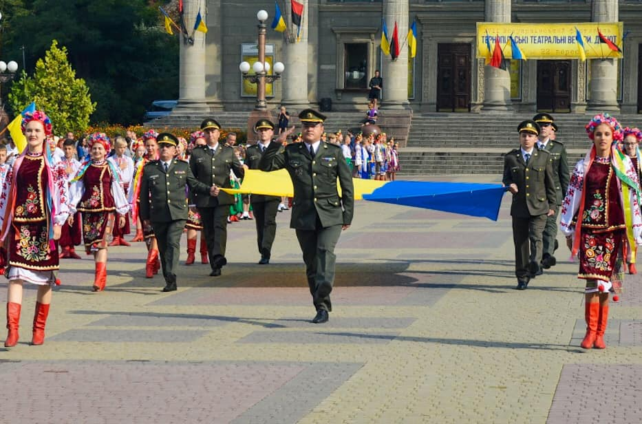 У Тернополі урочисто підняли державний прапор (ВІДЕО)