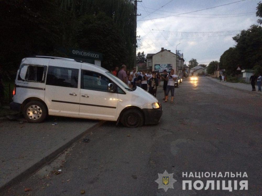 Перебував у стані алкогольного сп'яніння: на Тернопільщині водій протаранив кіоск (ФОТО)