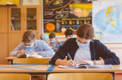 Де на Тернопільщині навчальний рік розпочнеться дистанційно?