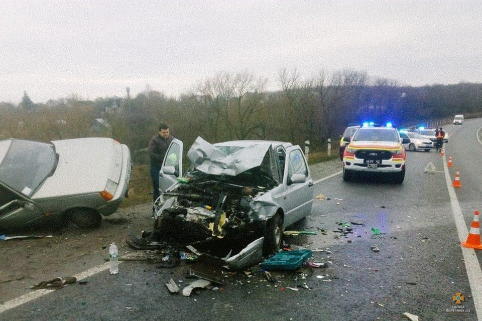 """На Тернопільщині смертельна аварія через """"п'янку"""": як покарали водія, через якого у свято постраждало 4 людини (ФОТО)"""
